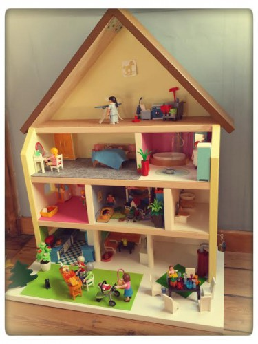 maison playmobil till the cat,maison playmobil bricolage,diy maison playmobil,diy maison de poupée,blog maman belge